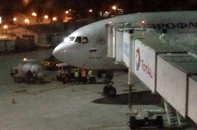 Матрешку загружают в самолет