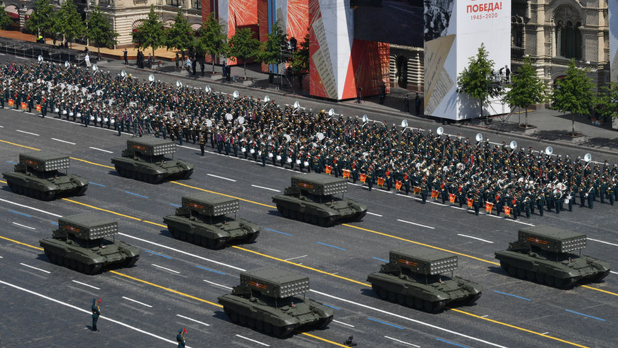 «Смертоносные машины»: в КНР восхитились военной техникой РФ