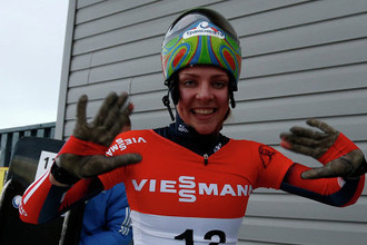 Чемпионка Европы 2013 года по скелетону россиянка Елена Никитина заняла третье место на первом этапе Кубка мира в Калгари.