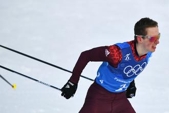 Денис Спицов на дистанции эстафеты 4x10 км среди мужчин в соревнованиях по лыжным гонкам на XXIII зимних Олимпийских играх