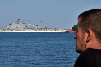 Большой десантный корабль ВМС США Whidbey Island, прибывший для участия в учениях Sea Breeze, в порту Одессы, 2016 год