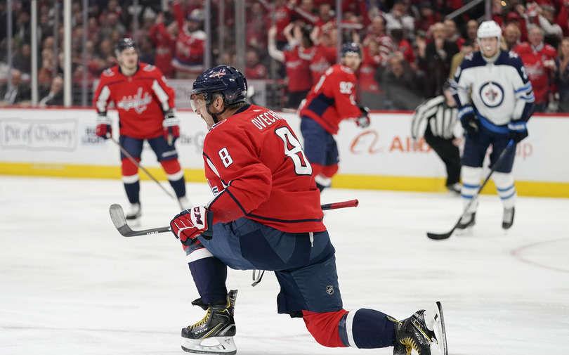 Коммисар НХЛ Беттмэн прокомментировал решение о возобновлении сезона