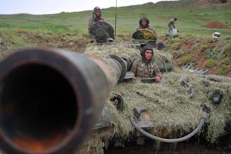 Военнослужащие армии обороны Нагорного Карабаха на первой линии обороны, 2016 год