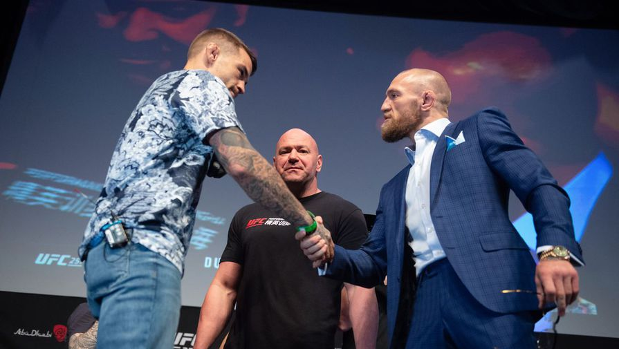 Дастин Порье и Конор Макгрегор на пресс-конференции перед UFC 257.