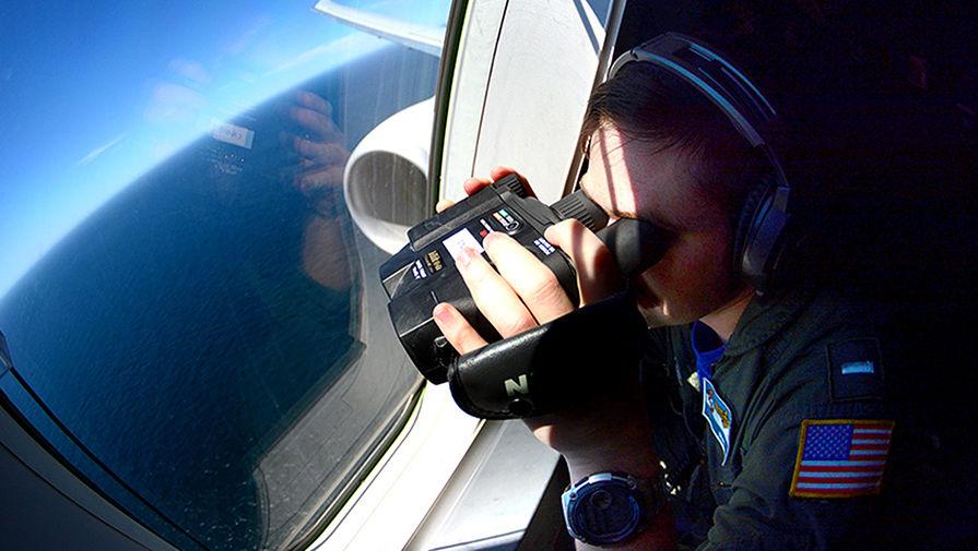Потенциально опасен: Китайский эсминец направил лазер на самолет США
