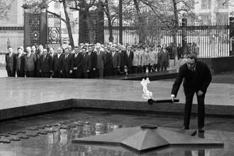 Церемония открытия памятника «Могила Неизвестного солдата» в Александровском саду, 1967 год