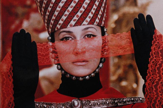 Софико Чиаурели в фильме Сергея Параджанова «Цвет граната», 1968 год