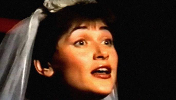 Кадр из спектакля по пьесе «Трехгрошовая опера» в постановке Алексея Левинского на «Свободной сцене» театра Ермоловой, 1989 год