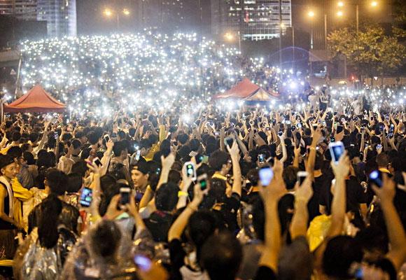 Протестующие в Гонконге массово использовали мессенджер FireChat