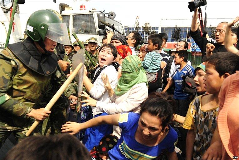 Правительство Китая будет блокировать интернет в случае массовых протестов