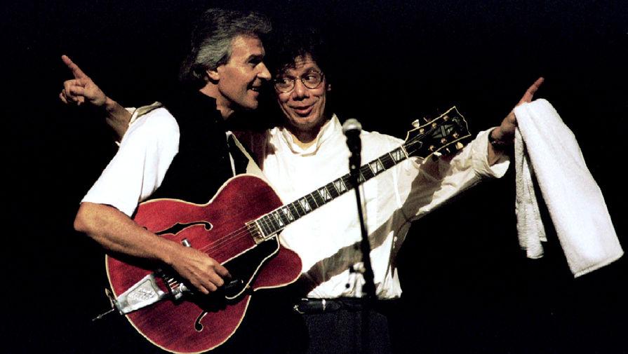 Чик Кориа и гитарист Джон Маклафлин во время совместного выступления в Венской опере на джазовом фестивале, 1995 год