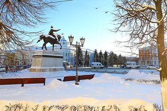 Памятник князю Михаилу Тверскому в центре Твери