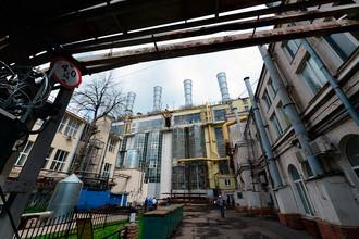 Старейшая действующая тепловая электростанция России — ГЭС-1 им. П.Г. Смидовича, расположенная на Раушской набережной в 600 метрах от Кремля