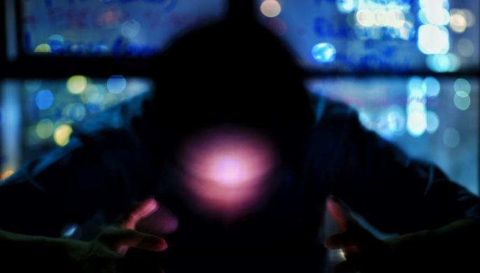 Шпион в кармане:хакеры подглядывают через камеру