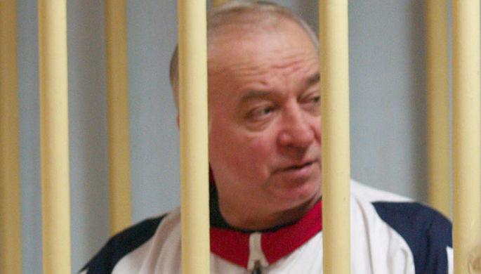 Полковник запаса Сергей Скрипаль, обвиняемый в шпионаже, в зале Московского окружного суда, 2006 год...