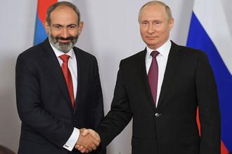 Президент России Владимир Путин и премьер-министр Армении Никол Пашинян во время встречи