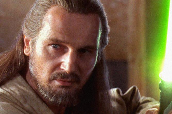 Лиам Нисон в роли Квай-Гон Джинна в фильме «Звездные войны. Эпизод I: Скрытая угроза» (1999)