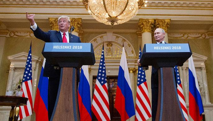 Президент США Дональд Трамп и президент России Владимир Путин во время встречи в Хельсинки, июль 2018 года