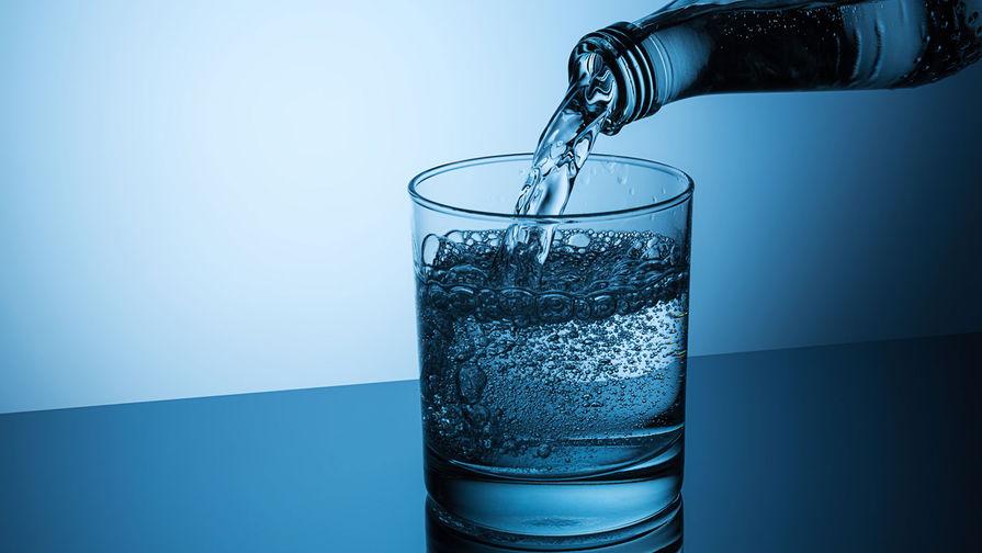 Диетолог рассказала об опасности минеральной воды