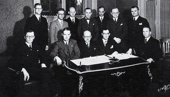 Конец союза: как СССР присоединил Прибалтику