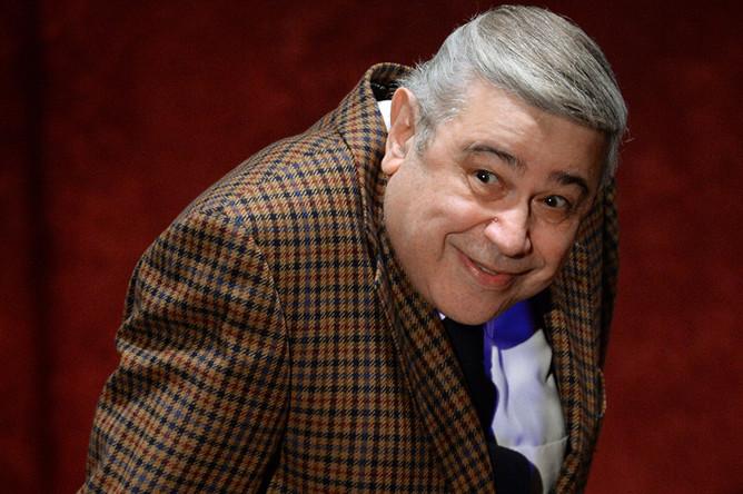 Евгений Петросян выступает на юбилейном вечере художественного руководителя театра «Шалом» А. Левенбука в Центральном доме актера, 2014 год