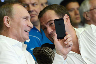 Президент России Владимир Путин и премьер-министр Дмитрий Медведев