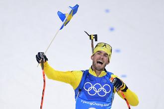 Олимпийский чемпион в эстафете шведский биатлонист Фредрик Линдстрем