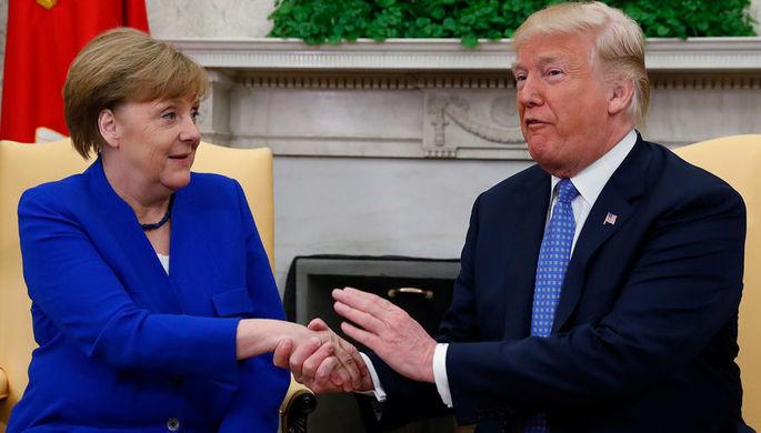 Президент США Дональд Трамп и канцлер Германии Анегла Меркель во время встречи в Белом доме, 27...