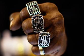 Проиграл золоту: что ждет рубль
