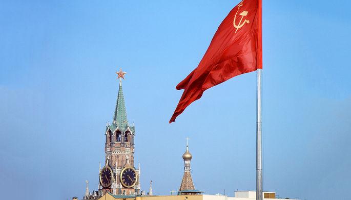 Вид на Спасскую башню Кремля, 1971 год