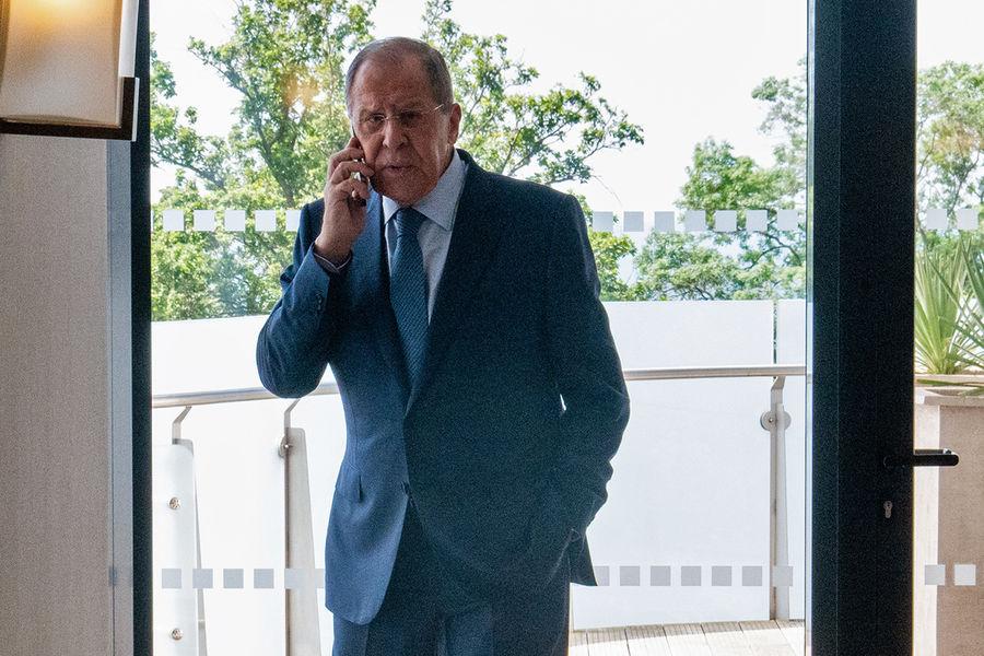 Лавров: Россия будет противостоять давлению США