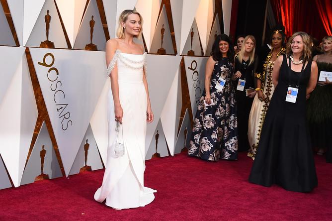 Актриса Марго Робби перед церемонией вручения кинопремии «Оскар» в Лос-Анджелесе, 4 марта 2018 года