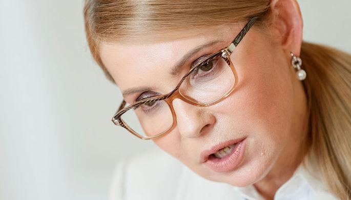 «Повредила палец до крови»: Тимошенко бьется за землю Украины