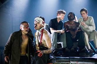Сцена из спектакля «Метаморфозы»