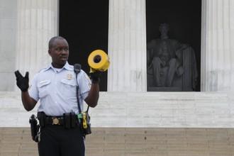 Закрытый мемориал Линкольна в Вашингтоне.