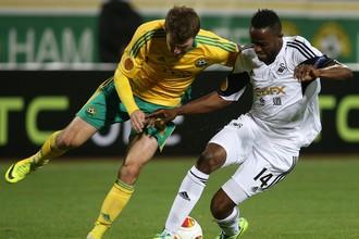 «Кубань» вновь сравняла счет в матче со «Суонси» в компенсированное время.