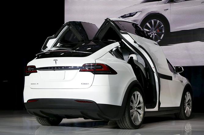 Премьера Tesla Model X