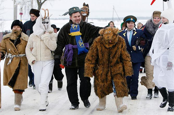 Жители деревни Жажелка Минской области Белоруссии во время празднования Рождества