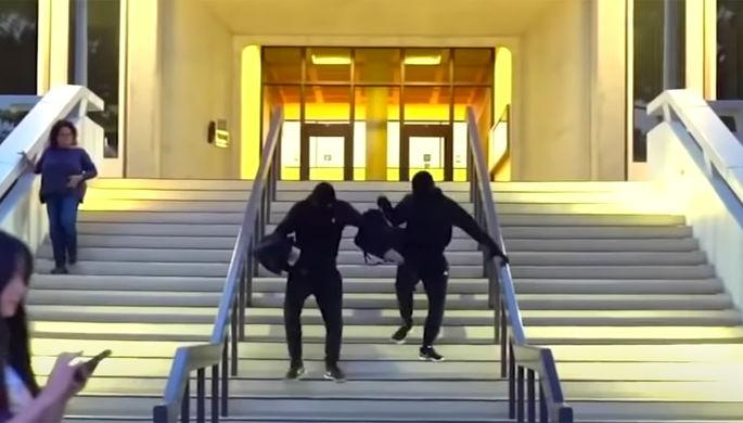 Фейковое ограбление: звездам YouTubeгрозит срок из-за пранка