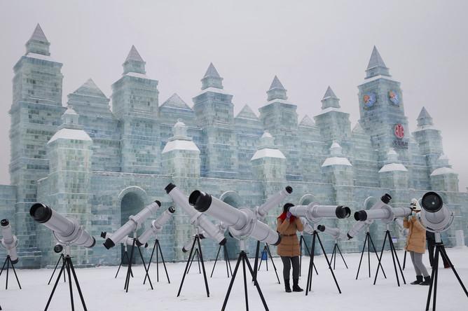 Ледяные скульптуры в Харбине, провинция Хэйлунцзян