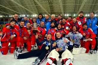 Сборная России в третий раз подряд выиграла чемпионат мира по бенди