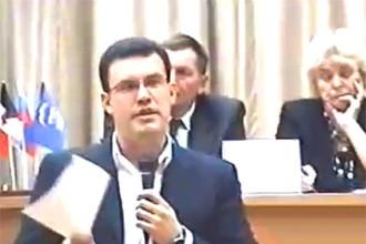 Единоросс Агашин на встрече с пенсионерами прямо увязывает финансирование ветеранских организаций с процентом, который партия наберет на думских выборах