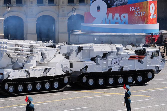 Зенитный ракетно-пушечный комплекс «Панцирь-СА» на базе вездехода ДТ-30 на генеральной репетиции военного парада в Москве, 7 мая 2017 года