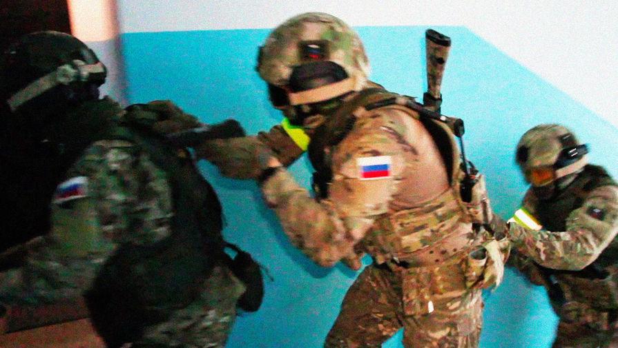 ФСБ задержала трех иностранцев с 60 кг кокаина в Петербурге