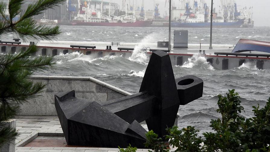 Корабельная набережная после урагана во Владивостоке, 3 сентября 2020 года