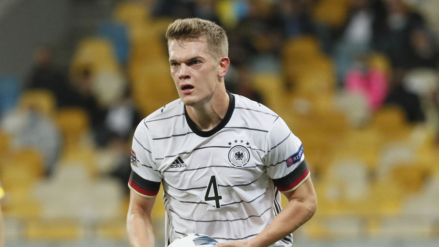 Игрок сборной Германии Маттиас Гинтер
