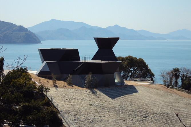 Музей архитектуры Тойо Ито в префектуре Эхимэ (Япония)