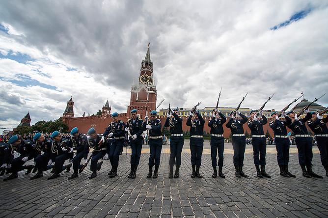 Празднование 85-летия Воздушно-десантных войск на Красной площади