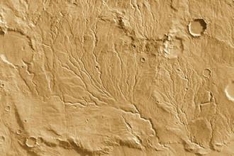 Русла ручьев, сфотографированные на поверхности Марса