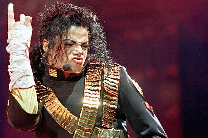 <b>Майкл Джексон</b>, певец, $60 млн.